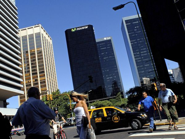 buenosaires-downtown-skyline_1763_600x450